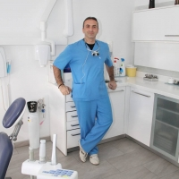 Стоматолог Ксантонидис Константин в Афинах