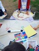 Пикник с Дедом Морозом и художниками всего мира в парке Центра культуры Фонда Ставроса Ниархоса в Афинах