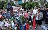 Церемония возложения венков 9 мая 2018 к памятнику Советскому воину в Афинах