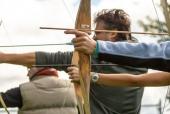 Знакомство со стрельбой из лука в афинском Центре культуры Фонда Ставроса Ниархоса